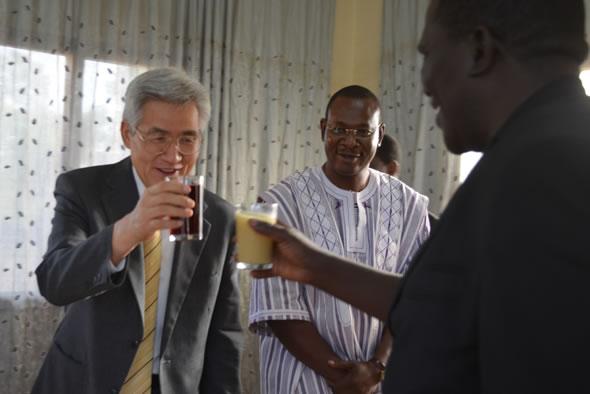 L'ambassadeur du Japon rend visite à l'ABMAQ
